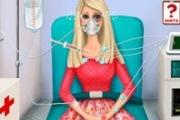 Barbie dans l'ambulance
